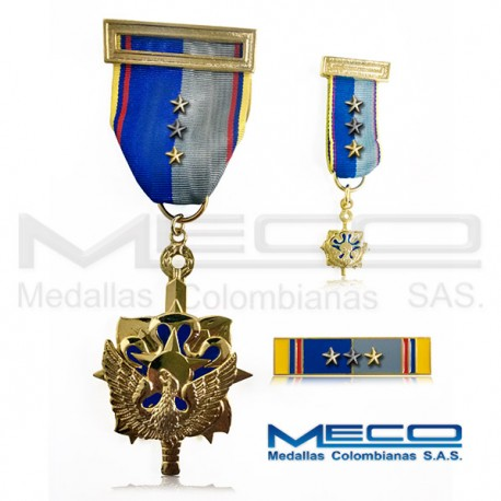 Medalla Militar Servicios Meritorios Inteligencia Militar Guardian de la Patria 4 Vez